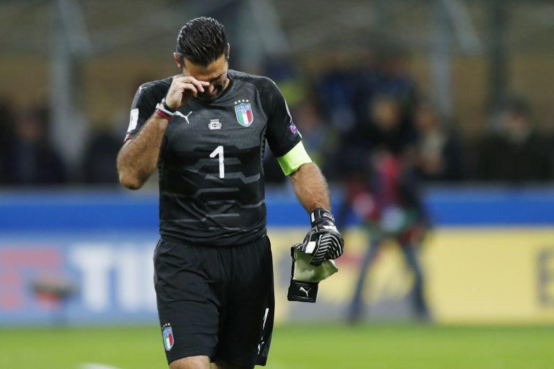 Буффон после матча сборных Италии и Швеции, который закончился поражением итальянцев. 2017 год.