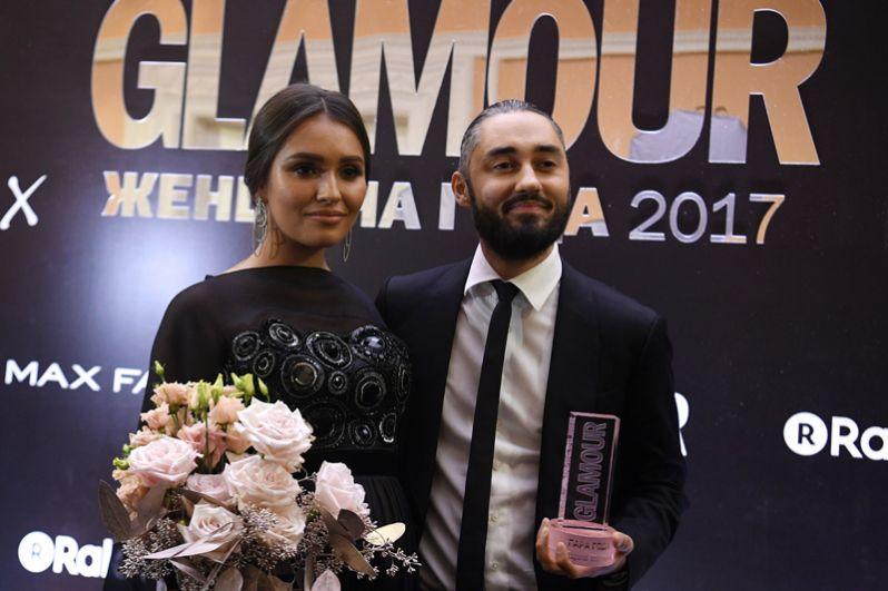 Рэпер Мот (Матвей Мельников) и его супруга Мария, получившие награду в номинации «Пара года».