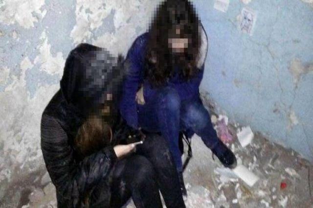 Патрульные предотвратили самоубийство школьниц в Мариуполе