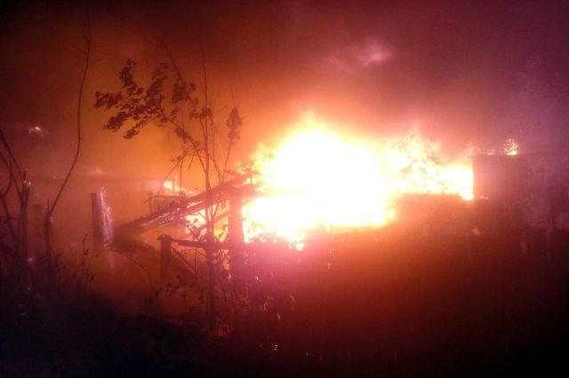В тюменском ДНТ «Солнышко» произошел пожар