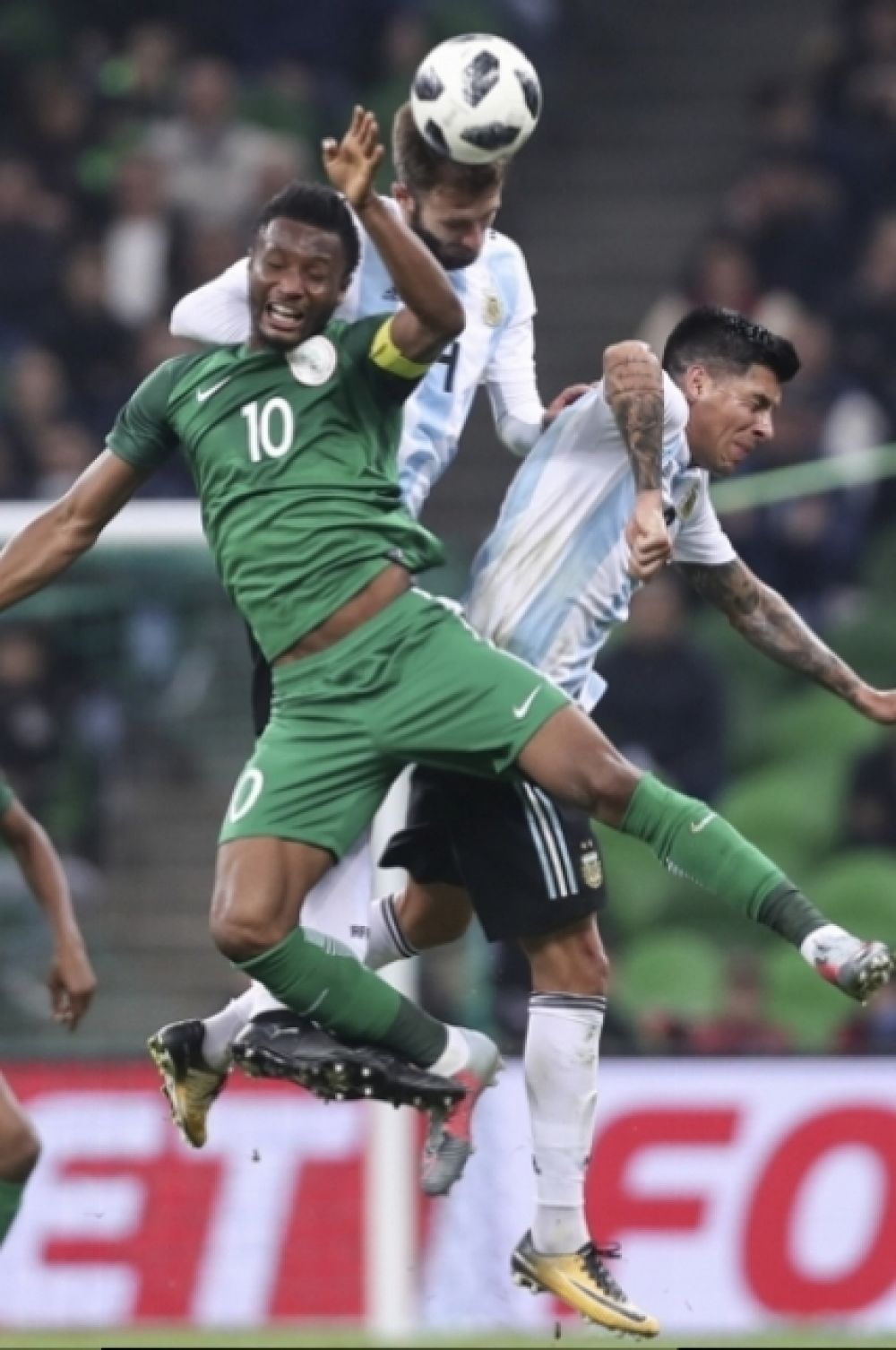 Во втором тайме сборная Нигерия перешла в наступление.