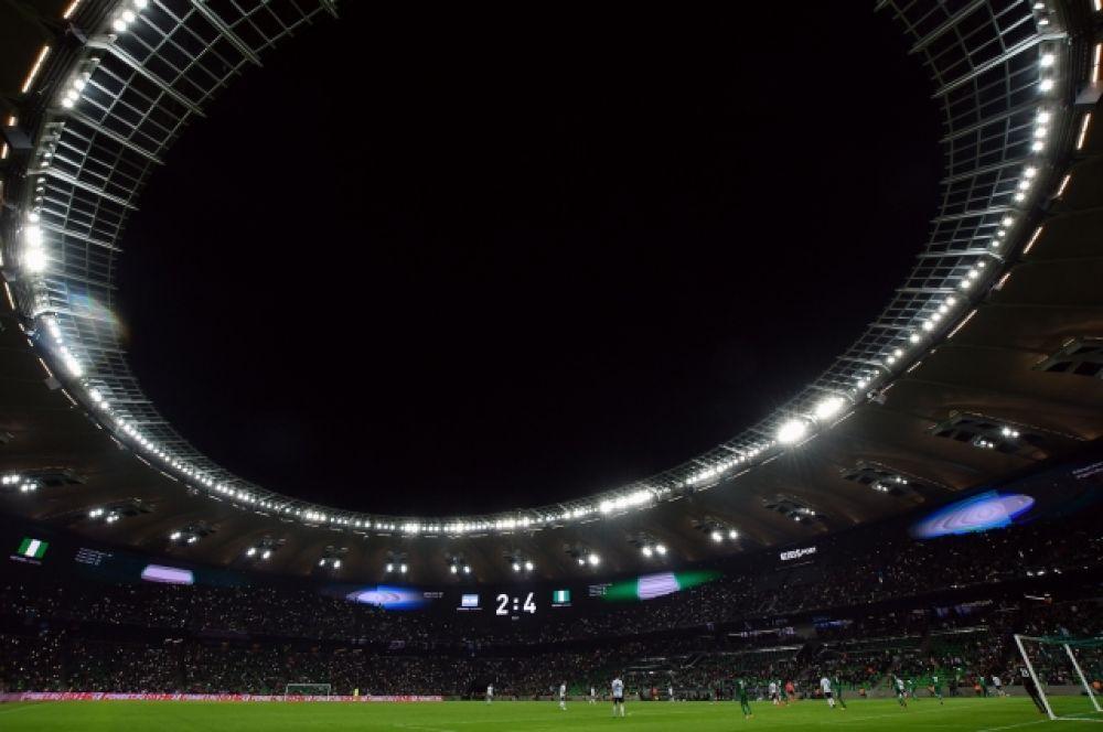 Новый краснодарский стадион вечером после матча.