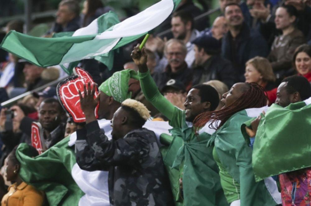 И болельщики у сборной Нигерии были активные.