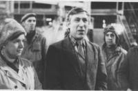 Собрание в цехе силикатного кирпича. Струги Красные, 1984 год