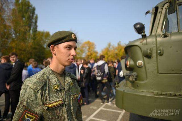 В Тюменской области некоторые срочники выбирают службу по контракту