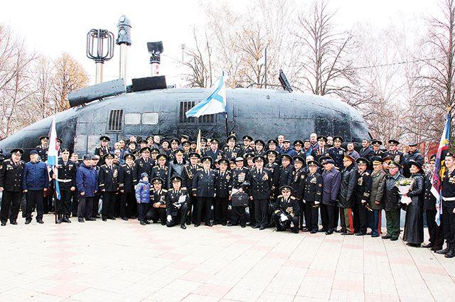 На открытии мемориала морякам в Уфе.