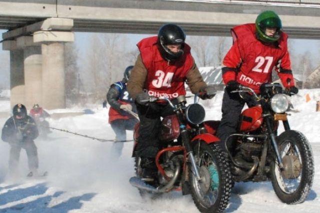 Гонки мотолыжных экипажей пройдут напразднике «Алтайская зимовка»