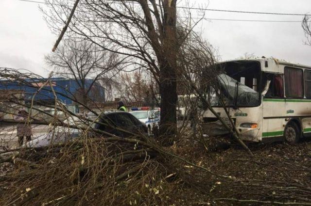 ВСамаре попал вДТП автобус спассажирами