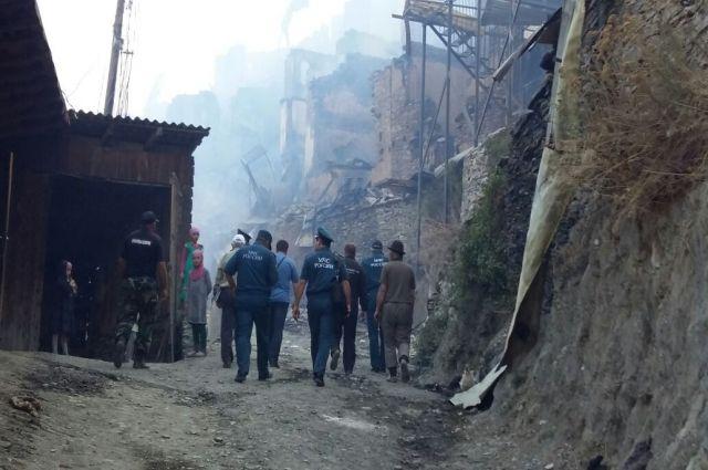 Неменее 250 погорельцам села Мокок вДагестане выплатят компенсации— МВД