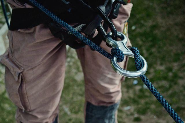 Нетрезвый петербуржец обрезал трос альпинисту ипроведет 4 года вколонии