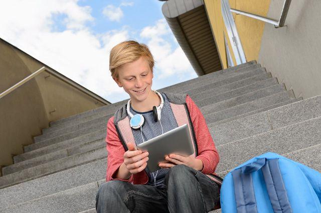Ловля отличников соцсетями. Интернет-общение делает детей умнее
