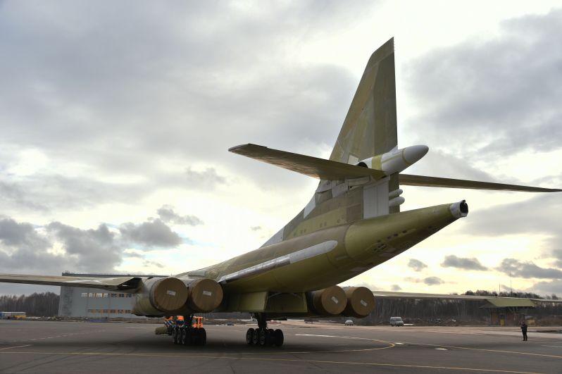 Первый вылет запланирован на февраль, а в апреле самолет может быть передан в Вооруженные силы РФ.