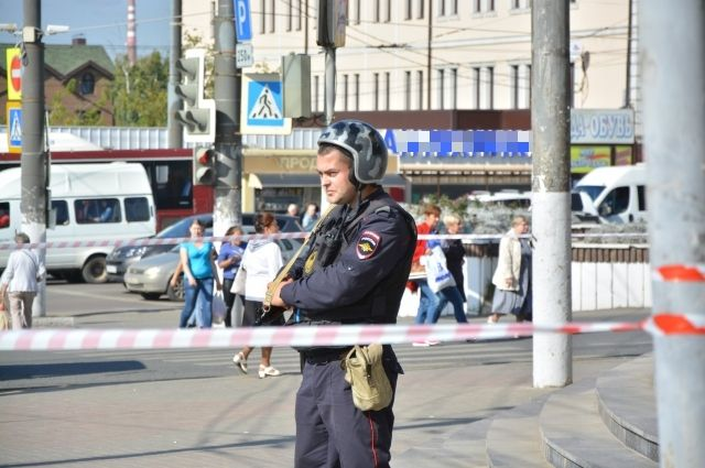 ВПетербурге эвакуированы неменее 10-ти школ из-за звонков обомбе