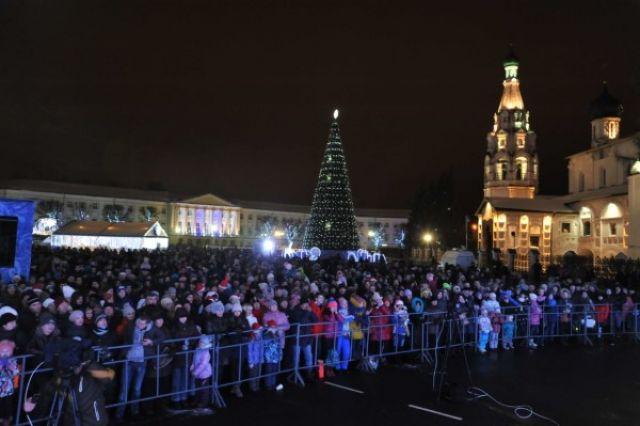 ВЯрославле 20ноября наСоветской площади начнут монтировать каток