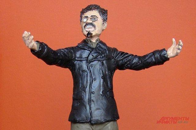 В масштабе 1:16. Обозреватель «АиФ» создает миниатюры революционеров