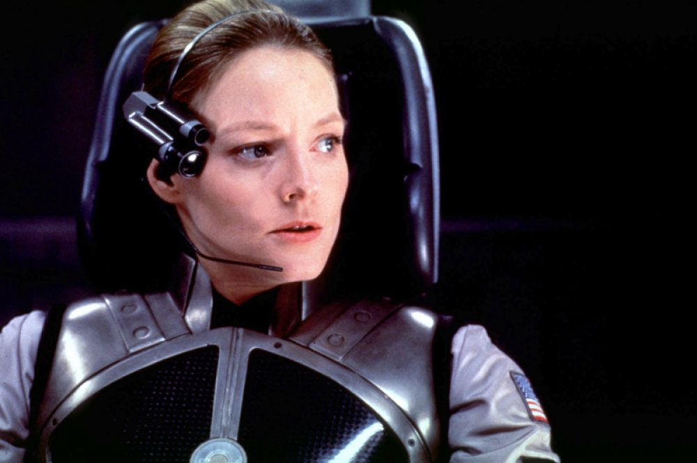 За главную роль в фильме «Контакт» (1997) она была номинирована на «Золотой глобус».