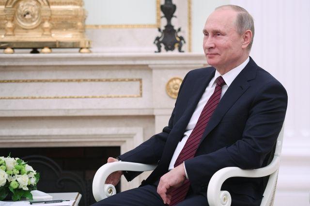 Песков не знает, будет ли Путин участвовать в выборах президента
