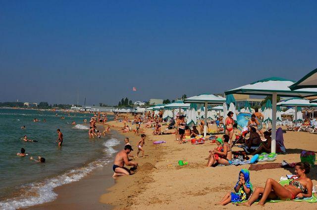На пляже в Евпатории нашли древнегреческую могилу ребенка