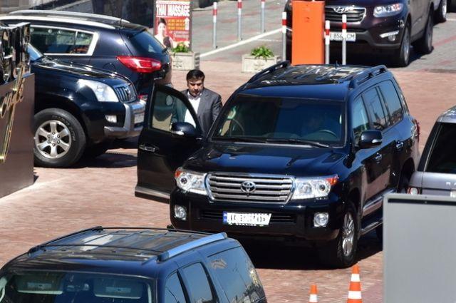 Саакашвили сказал о варварском избиении своего водителя