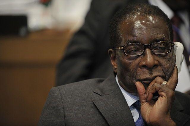 Президент Зимбабве Роберт Мугабе отказался уходить в отставку