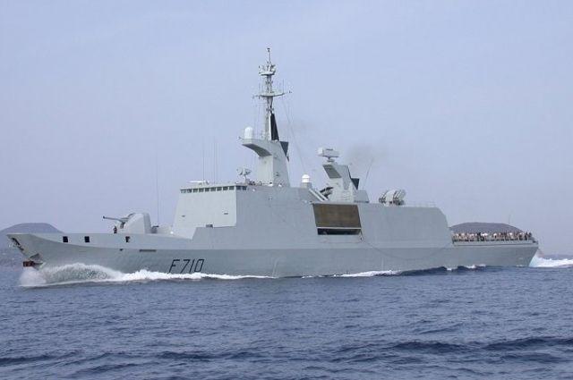 Ракетный «фрегат-невидимка» ВМС Франции замечен вЧерном море
