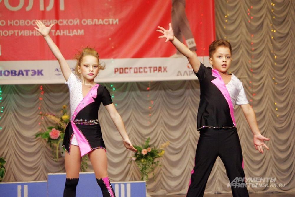 В России первый турнир по акробатическому рок-н-роллу прошел в 1986 году. И с тех пор спортсмены добились немалых успехов.