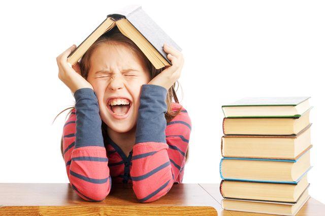 Известные люди рассказали о традиции читать вместе с детьми
