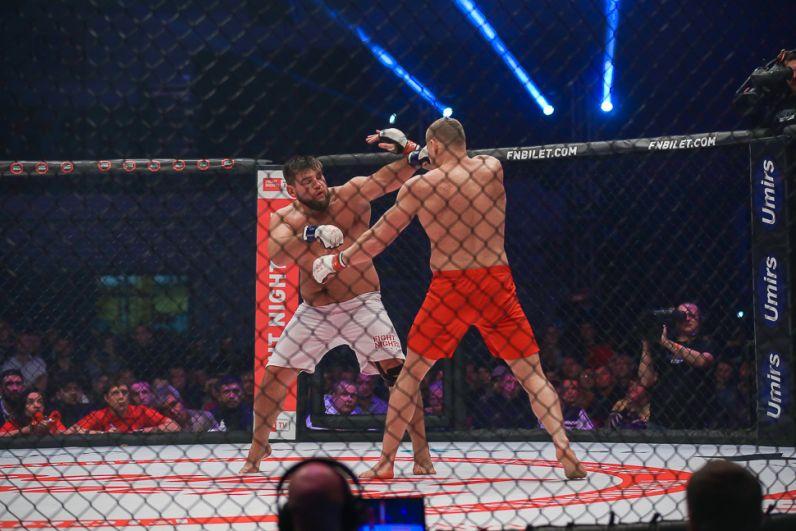 Бой за звание чемпиона в тяжелом весе.