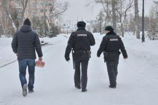 Сотрудники полиции задержали двух омичей, пытавшихся вскрыть банкомат.