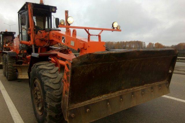 Дорожная техника будет дежурить на рискованных участках— Комитет поблагоустройству