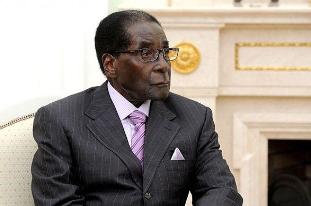 Партия власти вЗимбабве решила начать процедуру импичмента Мугабе