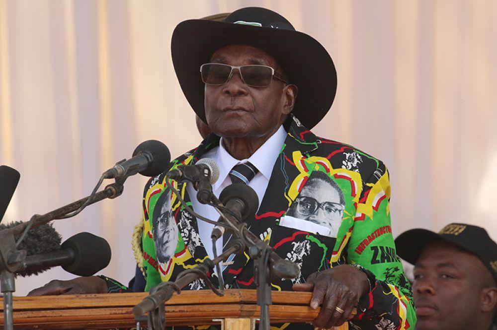 Президент Зимбабве Роберт Мугабе выступил на митинге в Гверу, 1 сентября 2017 года.