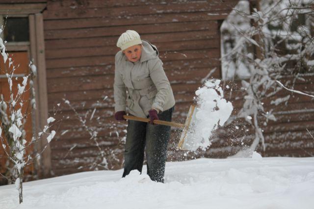Снежно будет в Иркутской области в ближайшие сутки.