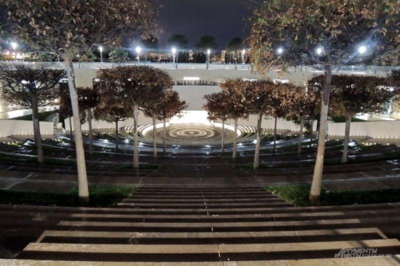 Амфитеатр – одно из самых притягательных мест парка.