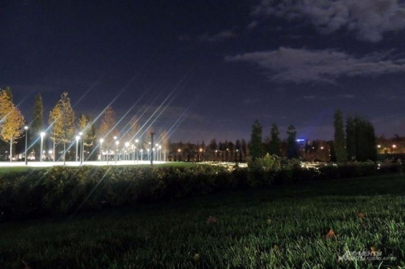 Найти в парке темный уголок практически невозможно.