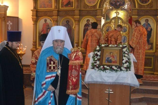 Митрополит Омский и Таврический Владимир открыл новый храм.