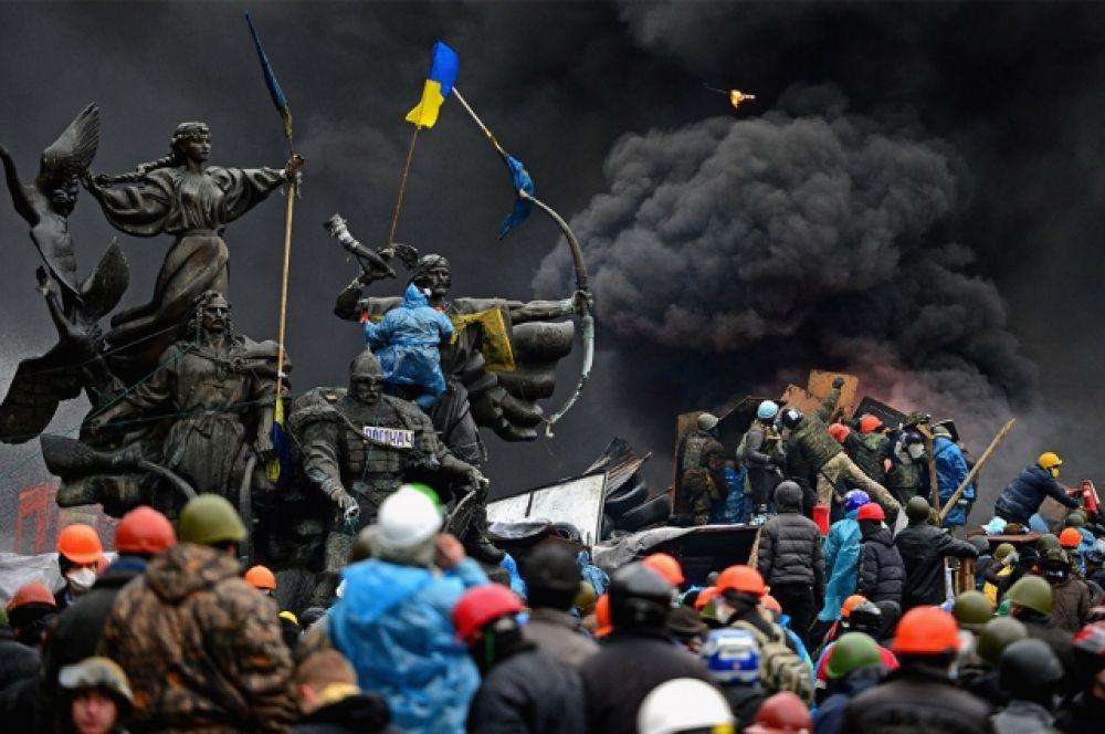 """Противостояние """"Беркута"""" и активистов вылилось в побоища и вооруженные конфликты. Так возник эпизод с """"Небесной сотней"""" и снайперами, метры выжженной земли и репрессии в адрес майдановцев."""