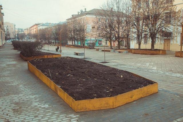 Завершилось благоустройство сквера наулице Коммунистической вСмоленске