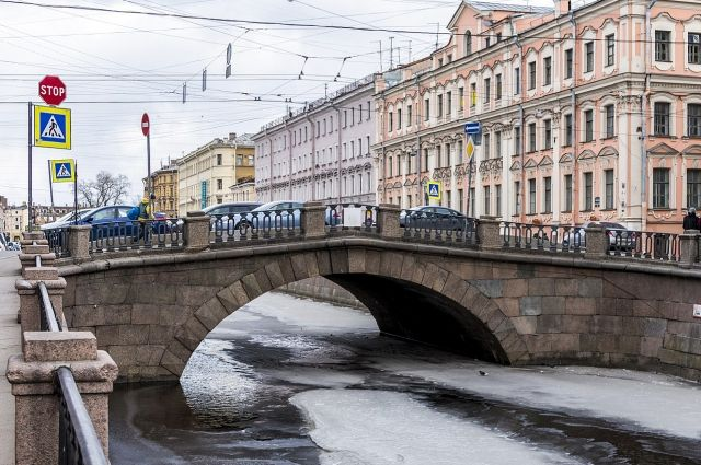 Ремонт Каменного моста ограничит движение транспорта вцентре Петербурга