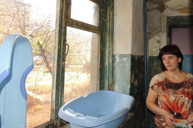 Лидия Гончарова из Волгоградской области бьётся за права своего особенного сына: ходить в детский сад, заниматься творчеством, жить в достойных условиях. Но последнее пока получается плохо. Историю семьи Гончаровых узнала Надежда Кузьмина.