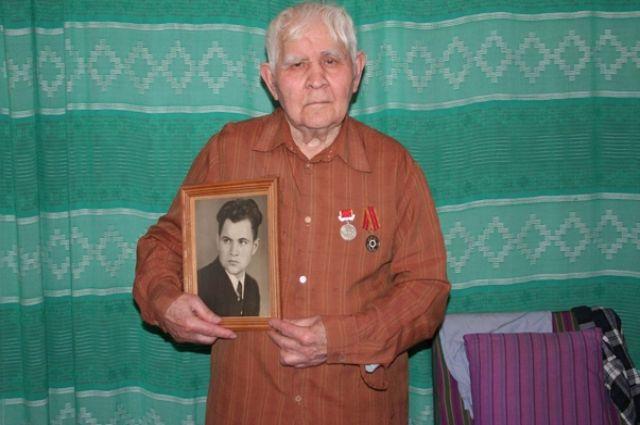 Пётр Данилович благодарит судьбу за то, что она бережёт его.