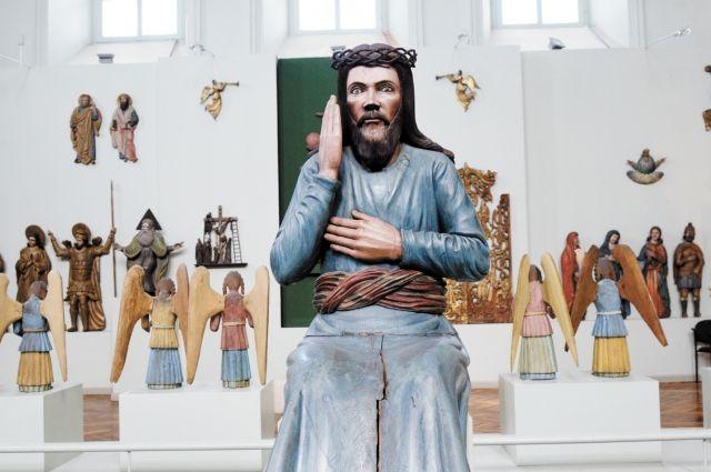Первая выставка деревянных скульптур открылась в 1928 году.
