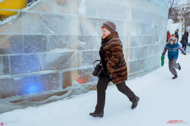 Лабиринты ледового городка стали для некоторых читинцев туалетом.