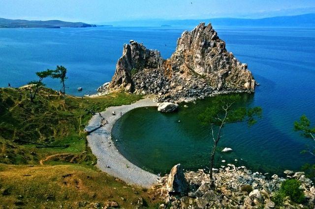 Скала Шаманка. Остров Ольхон на Байкале.