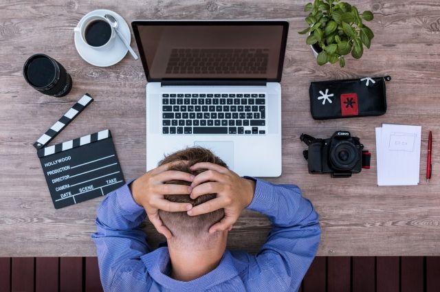 головной болью часто страдают молодые люди.