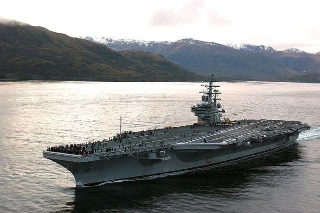 Самолет ВМС США упал в Тихий океан
