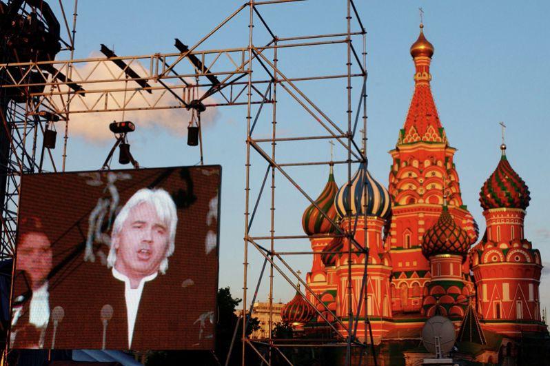 Концерт оперного певца Дмитрия Хворостовского на Красной площади. 2004 год.