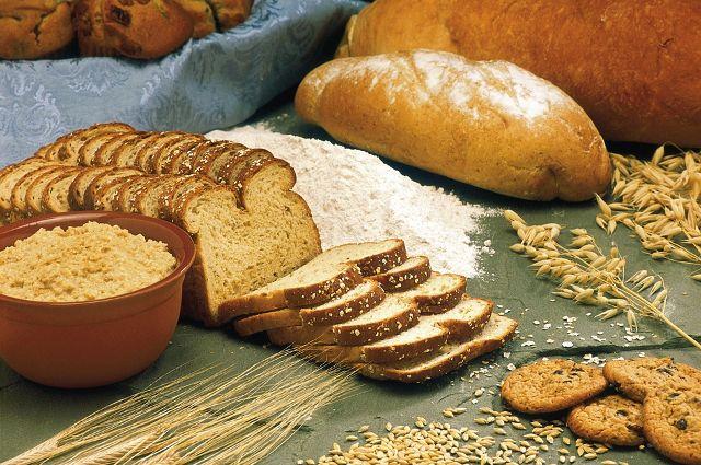 Хлеб является основой рациона человека.