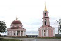 Храм построил в 1823 г. помещик Кожин.