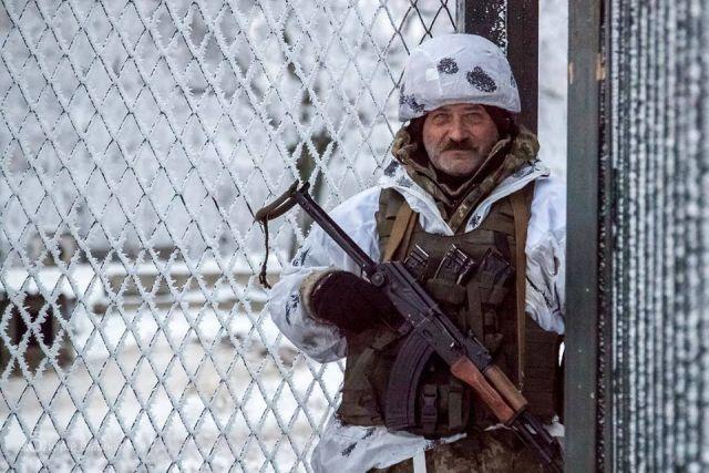 Военным разрешили носить усы ибороду